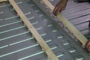 Citroen Relay, Fiat Ducato, Peugeot Boxer Self Build Motorhome: placing floor batten