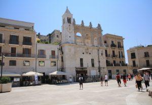 Walking around Bari, Italy